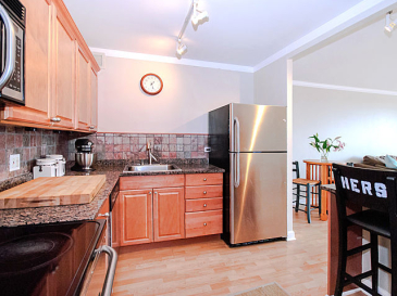 dark kitchen 2 (photo4-6)